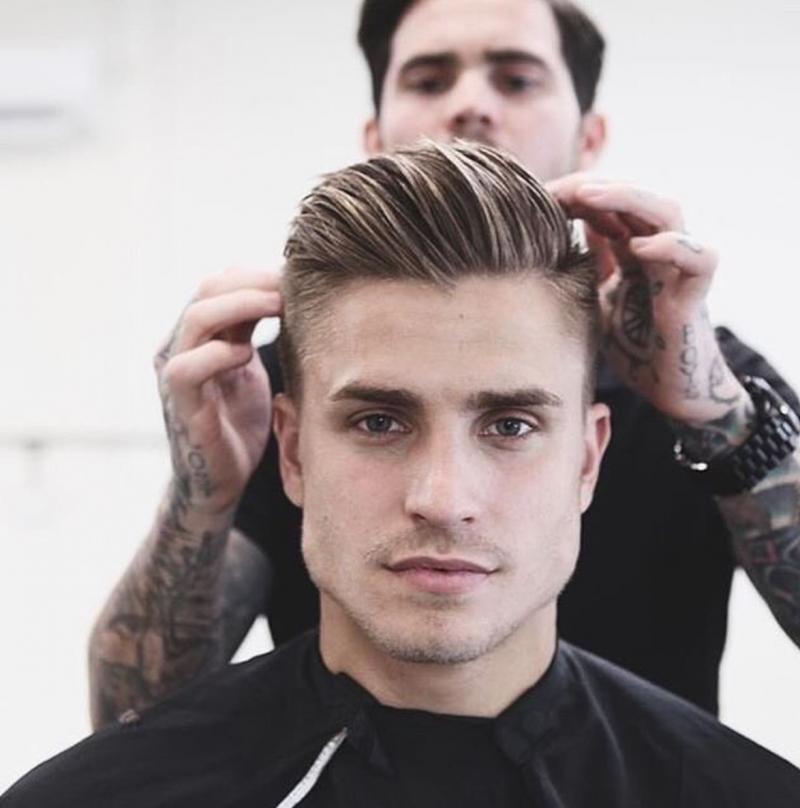 tunsori barbati par mediu blond