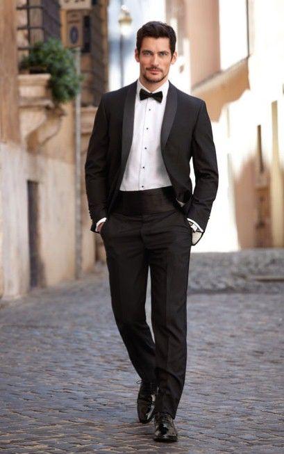 model costum negru