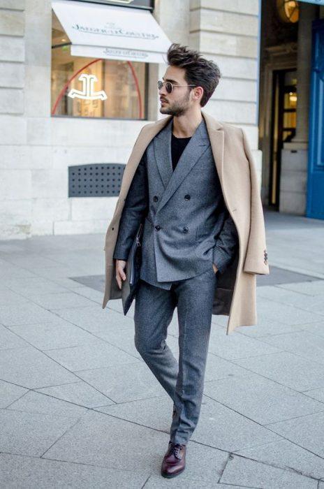 tinuta black tie