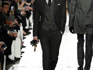 model costum britanic