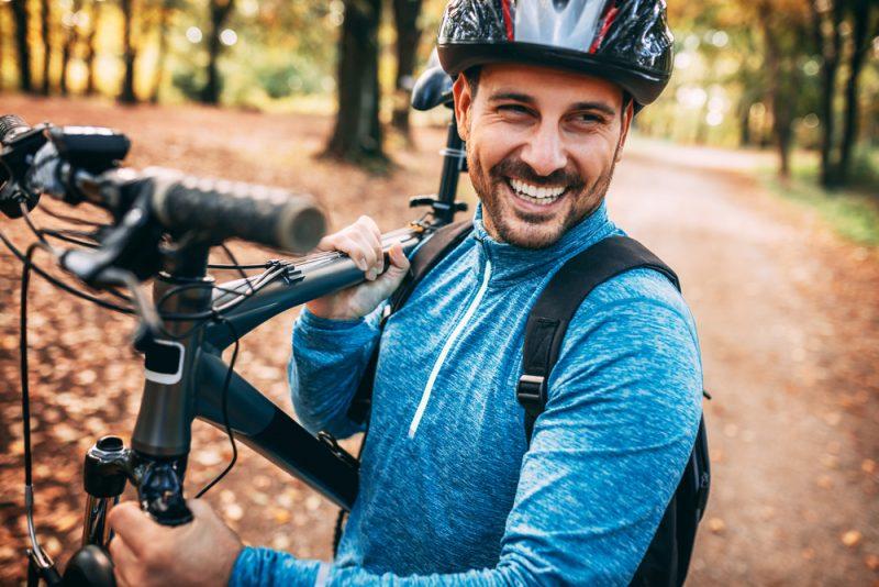 5 motive pentru care merită să porți cască pe bicicletă ...